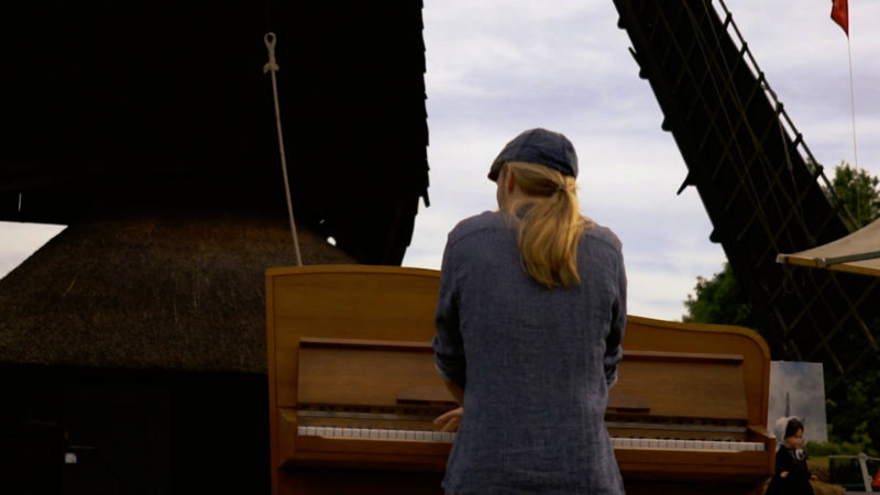 Look above piano Newborn Sun Videoclip and teaser - Jacco Wynia - Piano Music